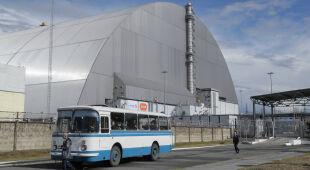 Nowy sarkofag nad reaktorem nr 4 w Czarnobylu przekazany Ukrainie