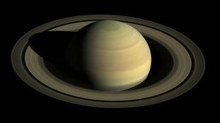 Saturn ma więcej księżyców niż Jowisz. Właśnie odkryto dwadzieścia